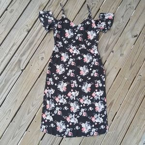 NWT Lumiere Cold Shoulder Floral Midi Dress